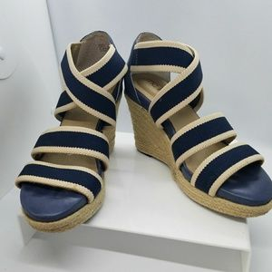 Women's Me Too Blue Wedges Size 7